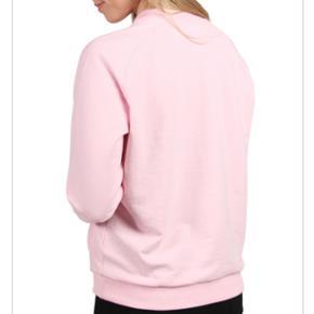 Moves by minimum Sweatshirt i lyserød med rose, str. Small, så pæn som ny.