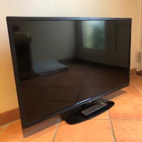JVC TV sælges. 6 år gammelt. Fejler intet, dog er fjernbetjeningen lidt slidt. Billeder kan sendes. Strømstik medfølger.