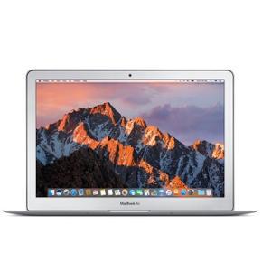 """Macbook air, købt i 2018, stadig et helt års garanti  128 GB  13,3"""" HD skærm Aldrig brugt kun opladet en gang, alt medfølger  Intel Core i5 processor 8 GB RAM / 128 GB SSD Tynd, let og lang batteritid Np 8000kr Mp byd"""