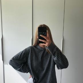 Bruger selv en xs, og trøjen er l Kom med et bud!