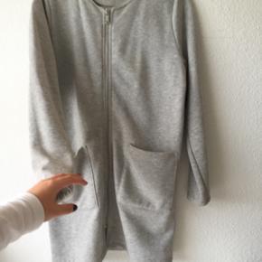 Gina tricot jakke - str. M aldrig brugt