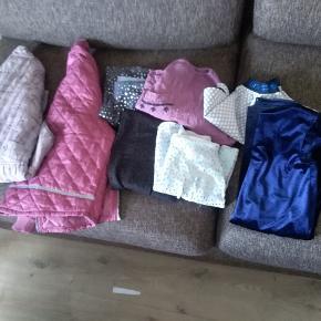 Tøjpakke til pige Det meste er str 140 Thermo bukser slidt, men ellers i god stand synes jeg (alt er brugbart :)