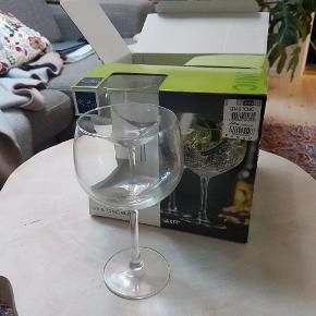 Helt nye gin og tonic glas fra Lyngby glas. 8 stk  Haves i original pakke. Samlet pris