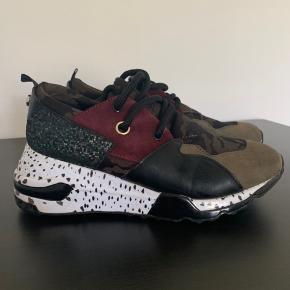 a6a5d7ff Ingen slid at se på skoene de er i meget fin stand.. Bytter ikke. Steve  Madden Sneakers