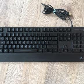 Gaming keyboard stealth spectra med LED-lys