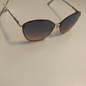Elie Tahari solbriller