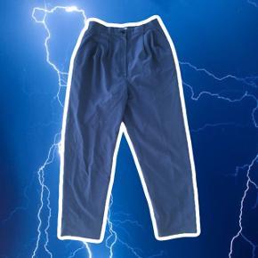Vintage blå bukser, der står str 9 i skiltet ? Jeg bruger 36 og passer dem  ❌ læs min shop beskrivelse ❌
