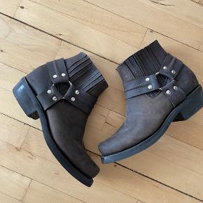 Lædersmeden sko & støvler