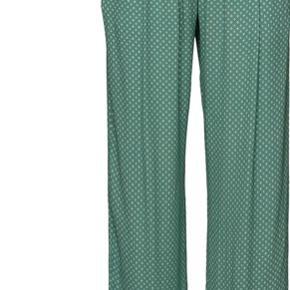 Sælger disse skønne bukser fra Stine Goya. Bukserne kan ikke længere købes.  Np:1300kr. Aldrig brugt :)
