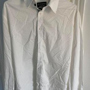 Fin Iceman skjorte. Custom fit XL.