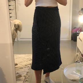 Flot nederdel fra Mads nørgaard
