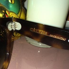 celine thin preppy solbriller brugt højest 3-5 gange  ingen tegn på slid!  gav selv 1700 for dem  byd! mp 1000  BIN: 1200