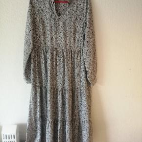 Pure Friday kjole