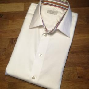 """Meget flot og """"Classic with a Twist"""" Contemporary skjorte fra ikoniske Eton  Se også alle mine andre annoncer af mærkevarer i høj kvalitet og stand til vanvittigt lave priser."""
