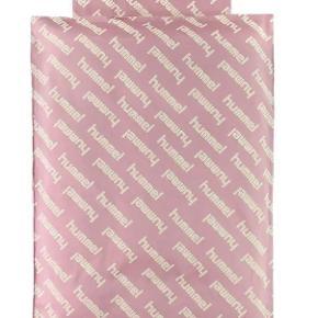 Hummel sengetøj stadig i indpakning  Nypris 349kr, sælges til 100kr