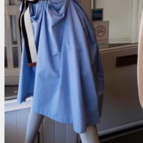 Tanello corsage kjole fra Malene Birger Str 32 Kjolen er virkelig flot , enkel og tidsløs. Bæltet på billedet følger ikke med  P.s  Anbefaling at få kjolen renset, så den samtidig bliver strøjet / presset, den bliver så flot.