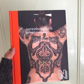 Coffee table book / bog fra Nationalmuseet. Kun stået til pynt 🌿
