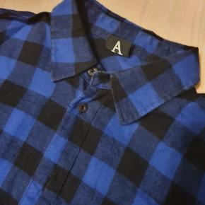 Dr. Denim ternet skjorte, Str. S Perfekt stand Kan bruges i sig selv eller til layering