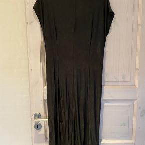Helt ny kjole fra Molly-jo str xxl  92% polyester 8% spandex