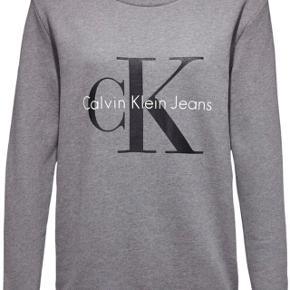 """Sælger denne mega lækre sweater fra det kendte mærke """"calvin Klein"""" Str: xs men kan sagtens fitte større Nypris: 800kr Mindste pris: Byd Cond: 9/10"""