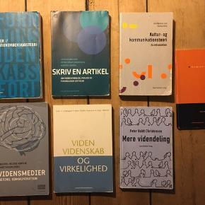 """Diverse studiebøger Brugte men stadig i god stand:  -""""Informationsvidenskabsteori"""" -""""Skriv en artikel"""" -""""Kultur- og kommunikationsteori"""" -""""Nye Vidensmedier"""" -""""Viden Videnskab og Virkelighed"""" -""""Mere videndeling"""" -""""Semiotik"""" 1 stk. 75, for køb af flere 50 kr stykket."""