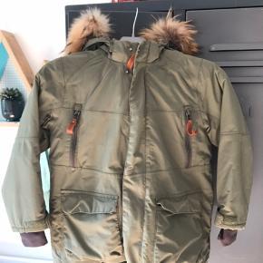 Flot jakke fra mini a ture, nypris, 1600kr  Ingen huller eller synlig slid. Ægte pels.