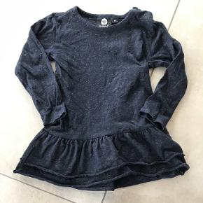👗 Hummel kjole i superfin stand, marineblå med guld - ingen pletter og huller.