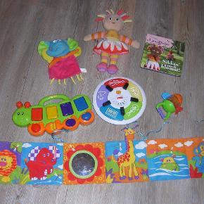 Brand: Fisher price og Lamaze Varetype: Baby legetøj Størrelse: Forskelligt Farve: Forskellige  Rigtig godt aktivitets legetøj til baby/barn. Prisen er for det hele. Sendes med GLS.