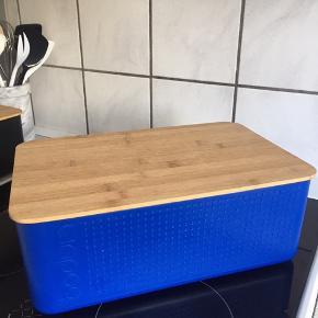 Stor Bodum brødkasse/boks i blå.  Sendes ikke.