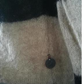 Bryst: 2x51  cm   Længde: 2X61  cm Sender med DAO  SE OGSÅ MINE 800 ANDRE ANNONER  Farve: Sort/Brun