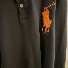 Sælger den her mega fine Ralph Lauren cropped trøje, den er aldrig brugt