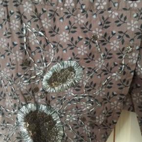 Jakke, blazer, habitjakke i mønstret bomuld i brun, beige, sort. SUper fin og nærmeste ubrugt.  Passer str 38, M