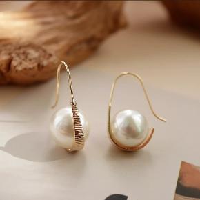 Håndlavet øreringe Messing med sølv Smykkeæske medfølger 31.95DKK med DAO via Trendsales