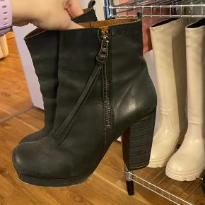 SixtySeven støvler