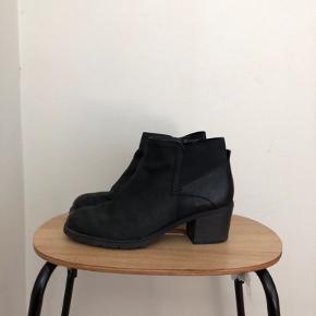 Lækre støvler med tyk hæl <3