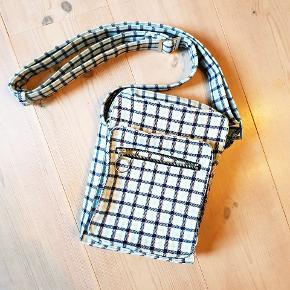 Taske fra Baum und Pferdgarten- 900 fra ny. Brugt to gange ☺