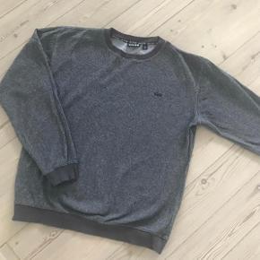 Varetype: sweatshirt Størrelse: M stor Farve: grå  Brugt 1 gang, bytter ikke
