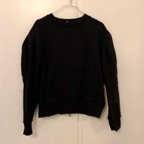 Sweater fra & Other Stories med store ærmer