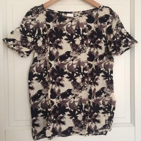 InWear t-shirt med blomsterprint i 100% viscose