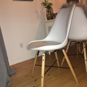 4 stole fra JyskNypris 499kr stk.
