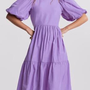 Smuk lilla kjole, brugt 1 gang så fremstår som ny.