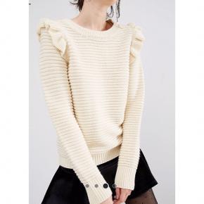 Sælger denne super fine sweater fra mærket Willow and Paige, købt på ASOS.  Helt ny, stadig med mærket på.  Foretrækker at mødes og handle i København K men kan også sagtens sendes med Dao - pris kommer oveni :)