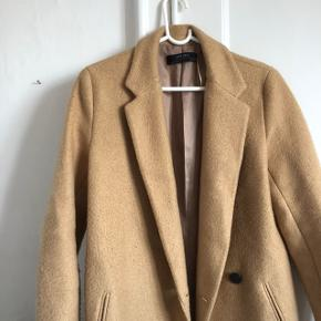 Fin jakke fra ZARA, str m