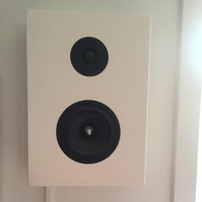 2 styk hvide højtalere Cambridge Audio næsten som nye.