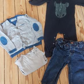 Indeholder: 1 x badeshorts + sommerhue 5 x natdragter 6 x bukser/shorts Ca 20 T-shirts 1 x skjorte 1 x trøje