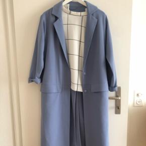 Blauer langer trenchcoat / dünner mantel in Grösse S aber weit geschnitten (oversize)