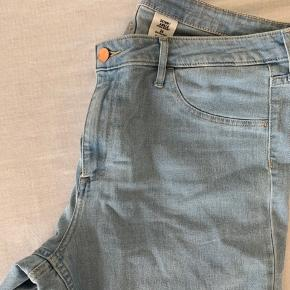 Stretch jeans fra H og M.