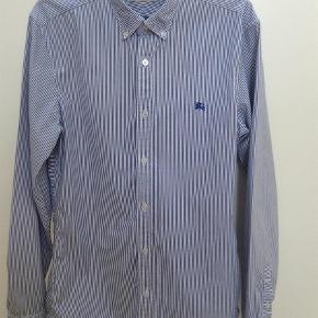 Varetype: Skjorte Farve: Blå Oprindelig købspris: 1500 kr.  Stribet, slim fit, str. S.