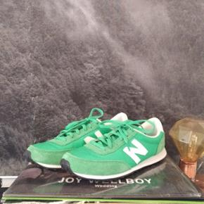 Fun green NB's, almost brand new, great condition (EU 40)