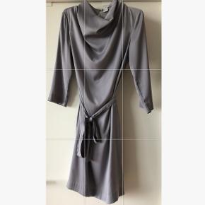 Fin kjole fra H&M Kom med et bud (: